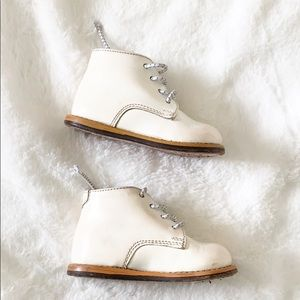 Josmo Walker White Leather Baby Shoes